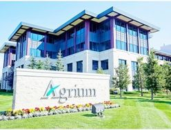 Canada farm groups want curbs on Agrium's clout
